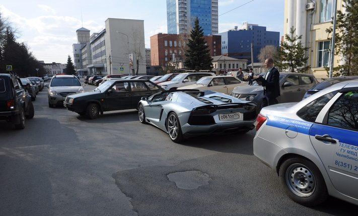 Олигарх Аристов, попавший в аварию на своем Lamborghini, чуть не довел виновника ДТП до больничной койки. ПОДРОБНОСТИ, ВИДЕО