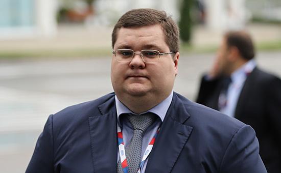 Сын генпрокурора Игорь Чайка освоит миллиарды на трамвайных стрелках