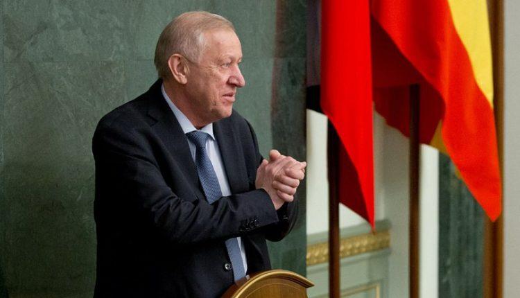 Врио губернатора Алексей Текслер уволил ненавидимого челябинцами Тефтелева через свой Instagram