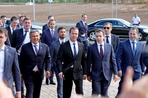 Бойцы ФСО из охраны Медведева избили посетителей ночного клуба и прибывших на место полицейских. ВИДЕО