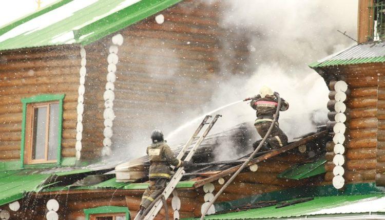 В Челябинской области загорелся храм. Пострадали шестеро детей. ВИДЕО