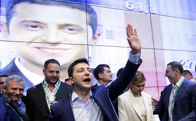 По результатам обработки почти 100% протоколов Зеленский набирает 73,18% голосов