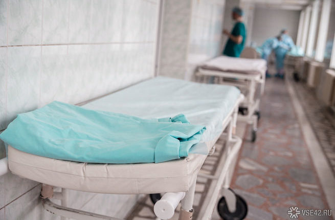 За смерть пациента, запертого в подсобке российской больницы, уволен главврач
