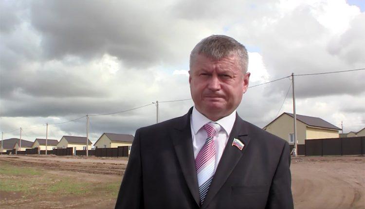 На главу района, напавшего на журналиста, возбудили уголовное дело и исключили из «Единой России»