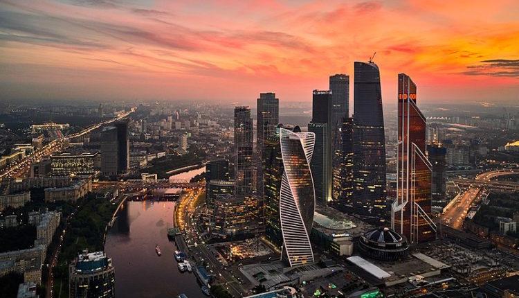 Российские города-миллионники отстают от Москвы на целый век