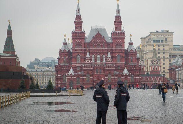 Сотрудник полиции застрелился около Красной площади
