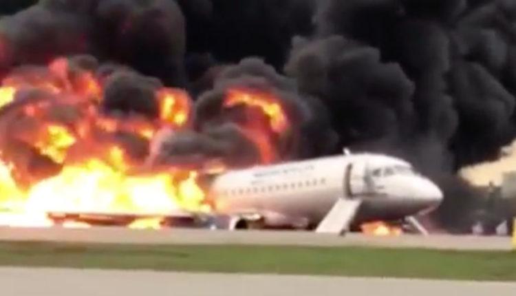 У сгоревшего в Шереметьево Superjet год назад фиксировался технический сбой