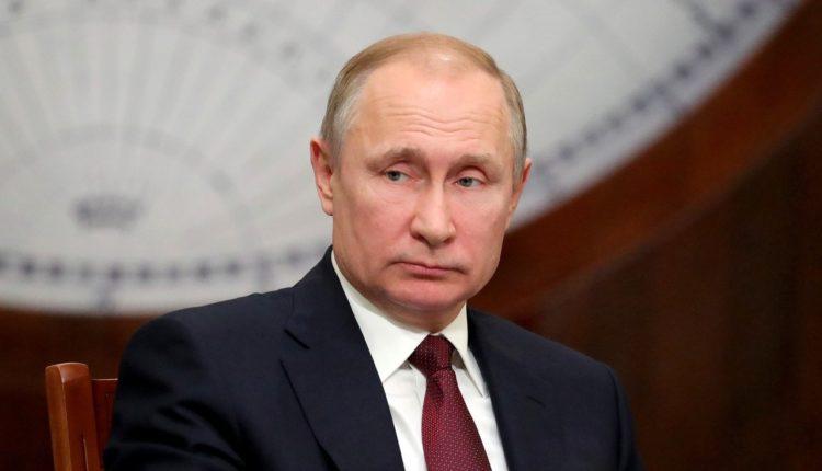 Новая методика не помогла остановить снижение рейтинга доверия Путина