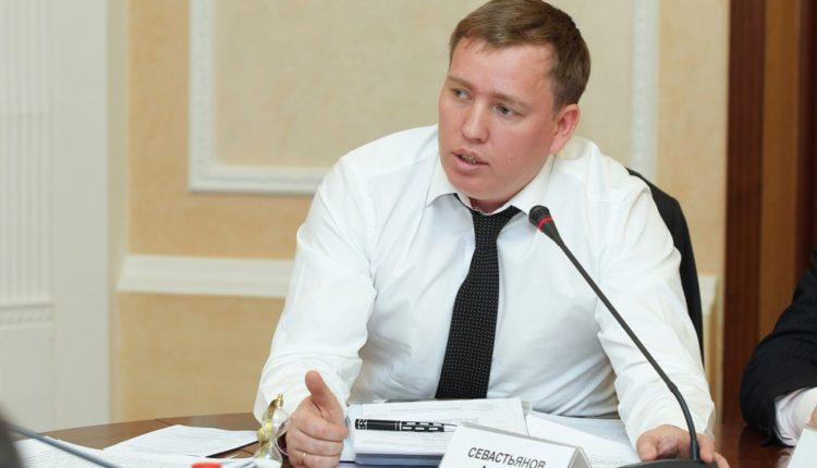 Бывший челябинский омбудсмен Севастьянов идет в губернаторы