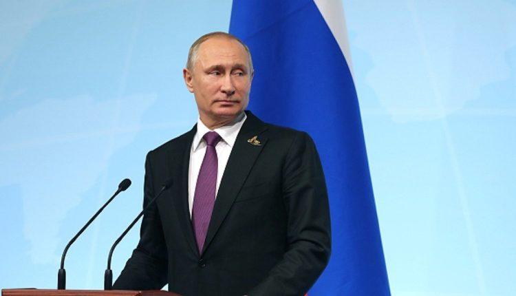 """Путин вспомнил 90-е, отвечая на вопрос, куда ведет страну «банда патриотов во главе с """"Единой Россией""""»"""