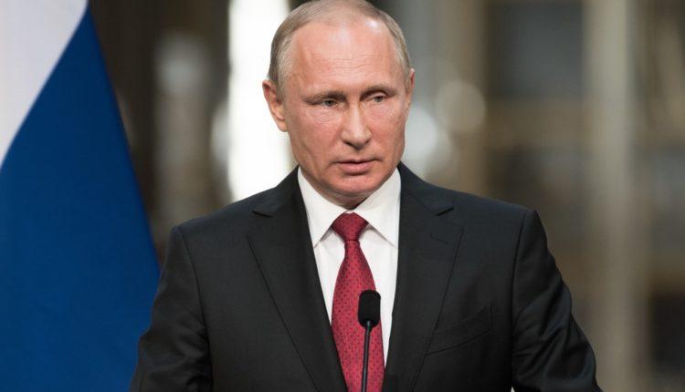 Путин: высокие зарплаты чиновников оправданы