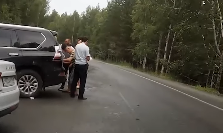 На Lexus экс-замгубернатора Косилова, устроившего тяжелое ДТП, пытались скрыть номера. ВИДЕО