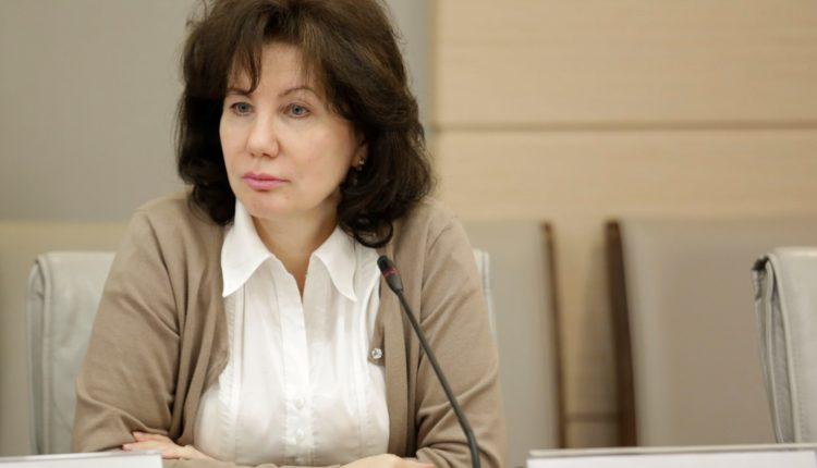 «За недопуск оппозиции к выборам». Глава юридической службы Мосгоризбиркома удостоилась награды от Путина