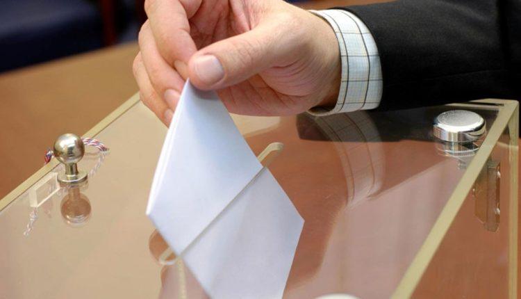 Почти тысяча человек выдвинулись на выборы челябинских депутатов