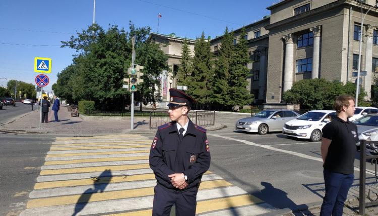 В связи с визитом Путина в Екатеринбурге перекрыли целый квартал