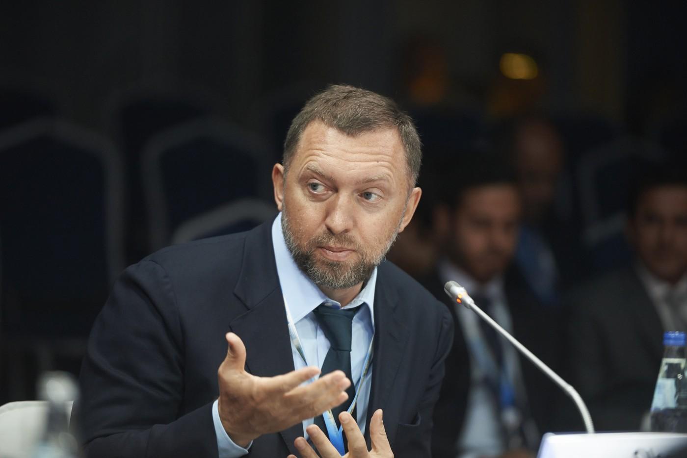 Дерипаска назвал решение ЦБ о повышении ключевой ставки безумием