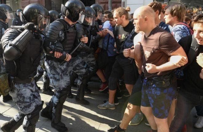 Арестованы двое фигурантов дела о массовых беспорядках 27 июля в Москве