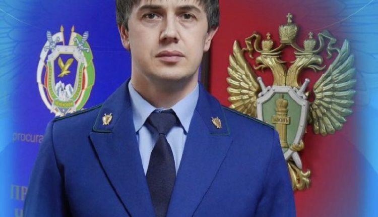 Брата председателя правительства Чечни задержали во «Внуково» с пакетиком загадочного порошка