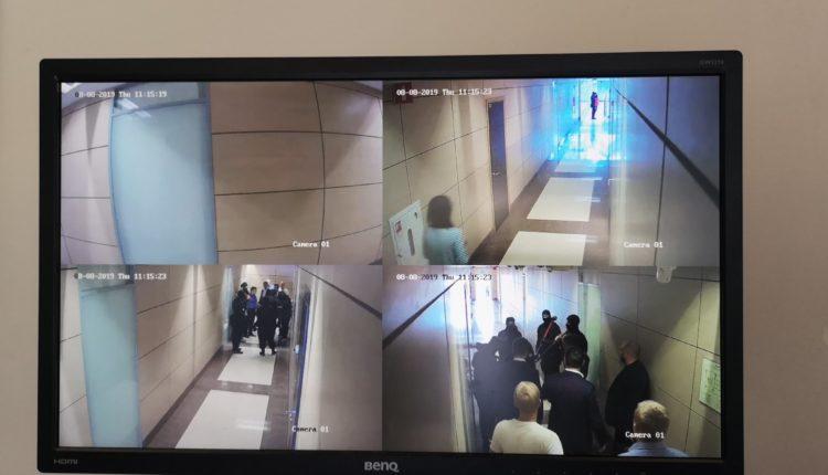 В офис к Навальному пришли с обыском