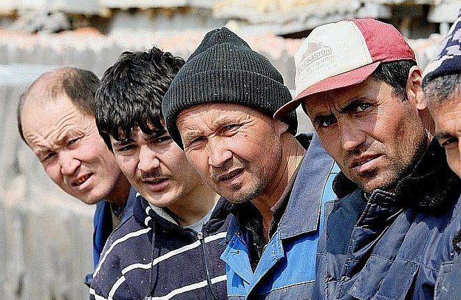 ФСБ впервые за два десятилетия назвала число приехавших работать иностранцев