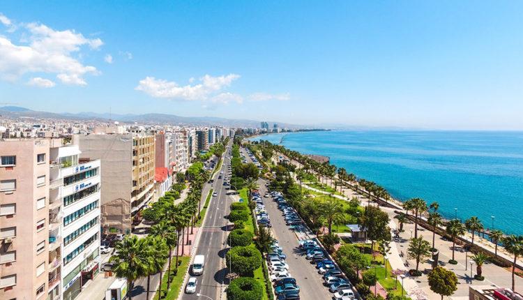 Петербургские чиновники решили отдохнуть на Кипре за 8 млн бюджетных рублей