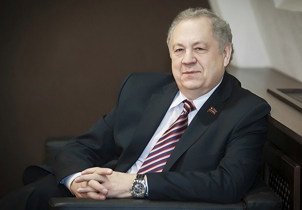 Депутату-мультимиллионеру Янову придётся договариваться с прокурором Челябинской области Лопиным, чтобы удержаться в политике