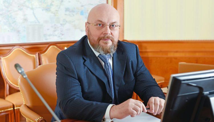 Двоюродного племянника президента Путина, работающего заместителем главы «Газпрома», уличили в подозрительных закупках