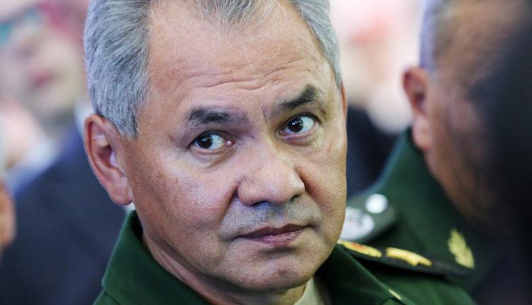Военного обозревателя «Известий» уволили за разгромную статью про Шойгу