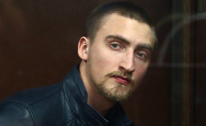 Мосгорсуд выпустил на свободу Павла Устинова, осужденного на 3,5 года за травму споткнувшегося росгвардейца