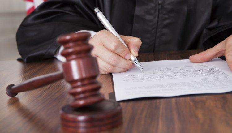 Единоросс, избивший подростка до сотрясения мозга, отделался штрафом в 15 тысяч рублей
