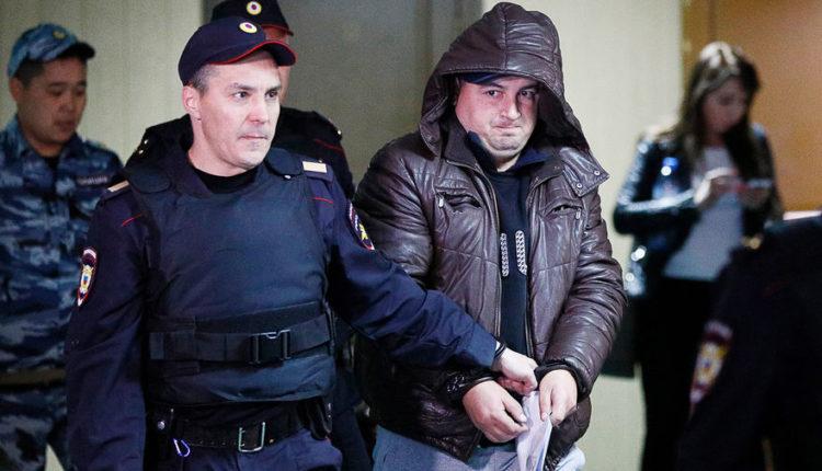 «Это провокация». Защита полицейского, стрелявшего в коллег в московском метро, обозначила свою позицию по делу