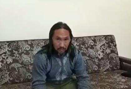 Шаман, который шел в Москву изгонять Путина, рассказал, что его подозревают в экстремизме и призывах к свержению власти