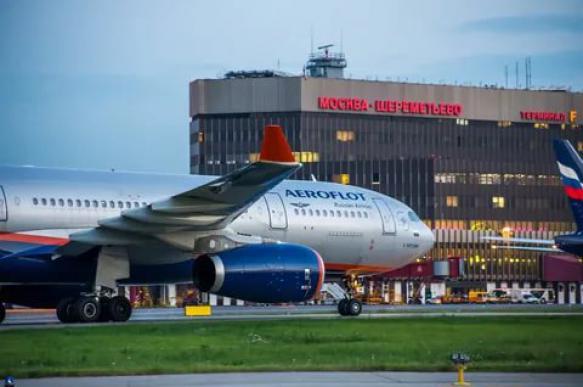 Самолет «Аэрофлота» совершил вынужденную посадку из-за пассажира, которому удалось пронести на борт пистолет