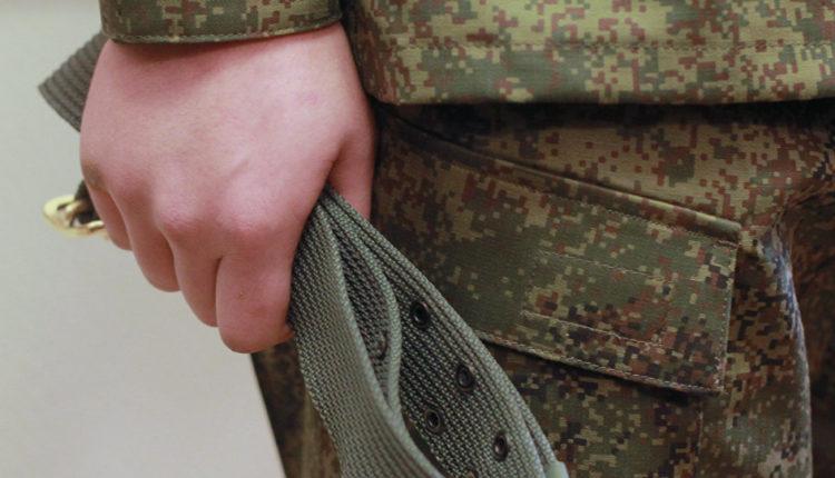 Повесился или повесили? В кабинете командира калужской воинской части обнаружен труп призывника