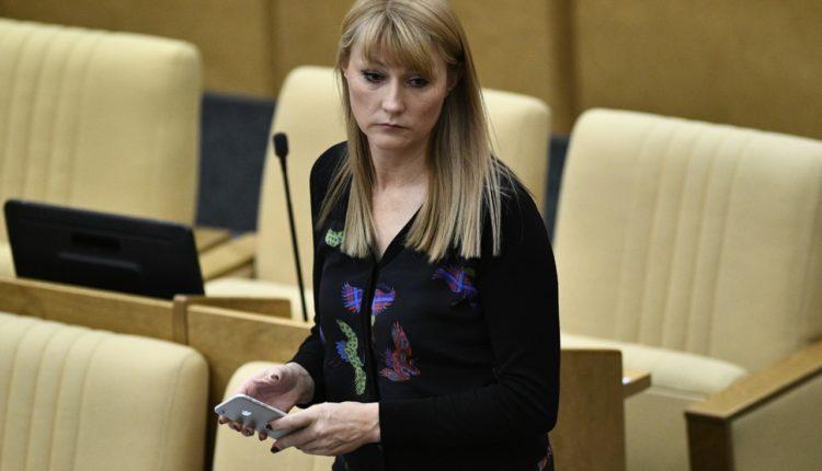 Депутат-единоросска умудрилась 13 раз проголосовать в Госдуме, не присутствуя на заседании