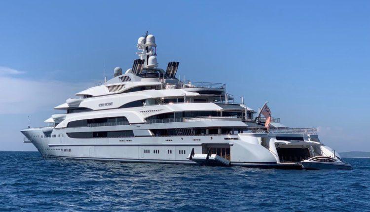 Forbes составил рейтинг яхт российских олигархов. Судно владельца ММК Рашникова заняло в нем четвертую строчку. ФОТО