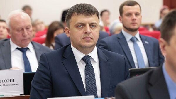 Хабаровский сенатор, скрывший судимость за подделку документов, лишен полномочий