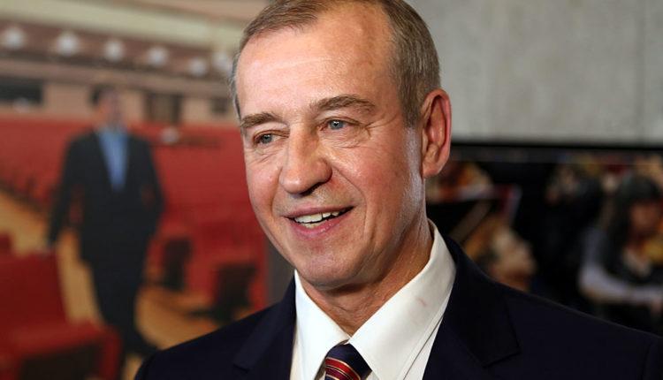 Губернатор Иркутской области назвал «бессмысленными сигналами» указы президента о повышении зарплат бюджетникам. Недавно он увеличил себе оклад. ВИДЕО