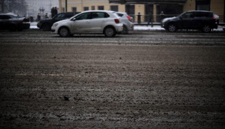 Челябинские власти возмутились грязной жижей, которую месит на дорогах «Южуралмост», но в компании к ним не прислушались