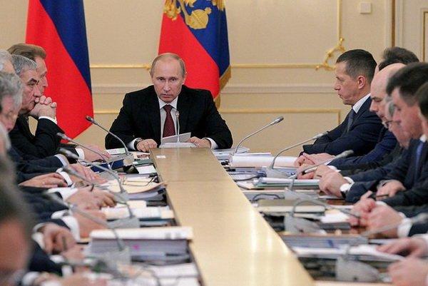Владимир Путин проводит заседание Госсовета. На повестке дня: сельская Россия – в удручающем состоянии
