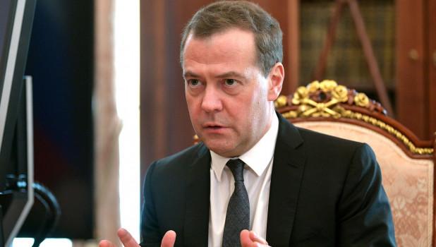 Медведев – о митингах в Москве: «Протесты могут превратиться в беспощадный бунт»