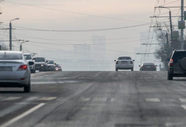 Челябинцы третий день страдают от удушливого смога. В городе стоит едкий запах гари