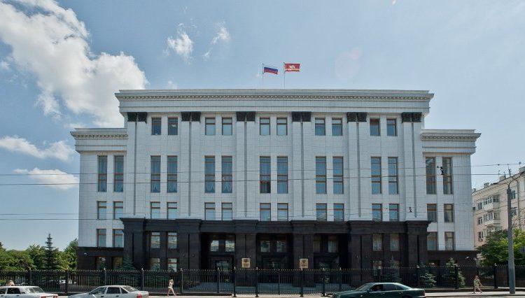 Неизвестный угрожал сжечь себя в здании правительства Челябинской области