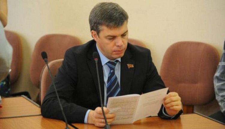 Депутат, давший взятку экс-мэру Челябинска Тефтелеву, лишился должности в Гордуме