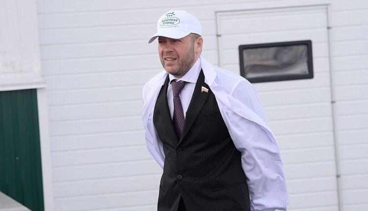 Следственный комитет возбудил дело об афере с налогами агрохолдинга, который принадлежал челябинскому депутату Госдумы