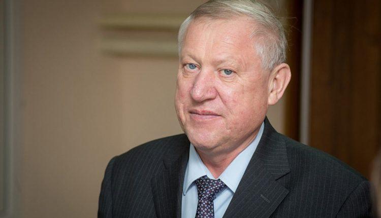 Следственный комитет: экс-главу Челябинска Евгения Тефтелева подозревают во взятке