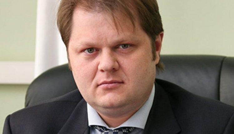 Покровительство в обмен на бутылку водки: замминистра транспорта РФ предложили смехотворную взятку