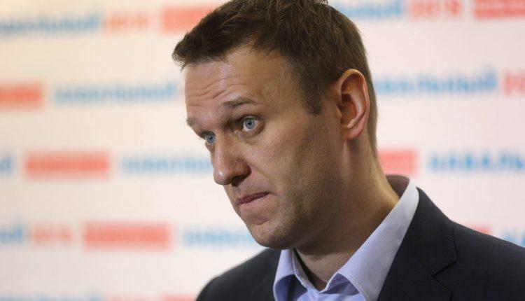 Навальный потребовал у Мишустина объяснить, как его жена заработала почти 800 млн рублей за девять лет