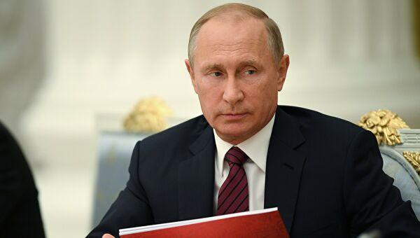 Рейтинг доверия Путину упал почти в два раза за два года – до 35%