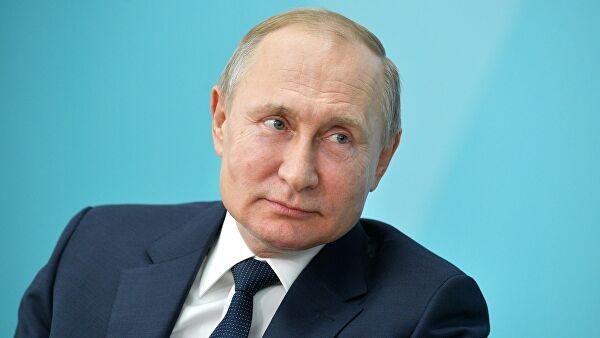 Путин заверил, что решил изменить Конституцию не для продления своих полномочий